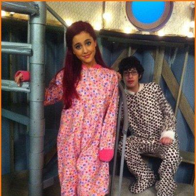 और Ariana Grande