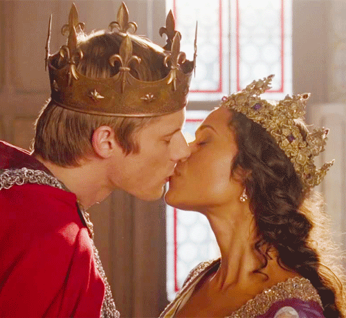 Mr and Mrs Pendragon (avec hot shit on their heads)(3)