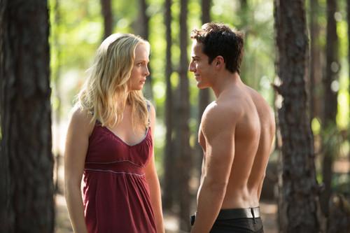 "New TVD stills of Candice as Caroline: 4x01 ""Growing Pains""."