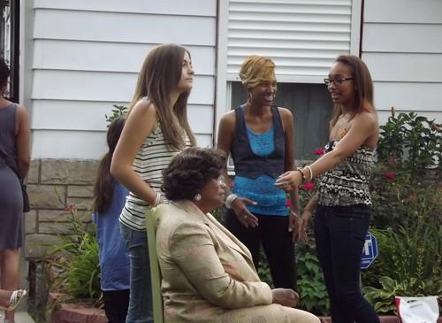 Paris Jackson with her grandma Katherine Jackson and Paris's cousin Cayla Jackson ♥♥