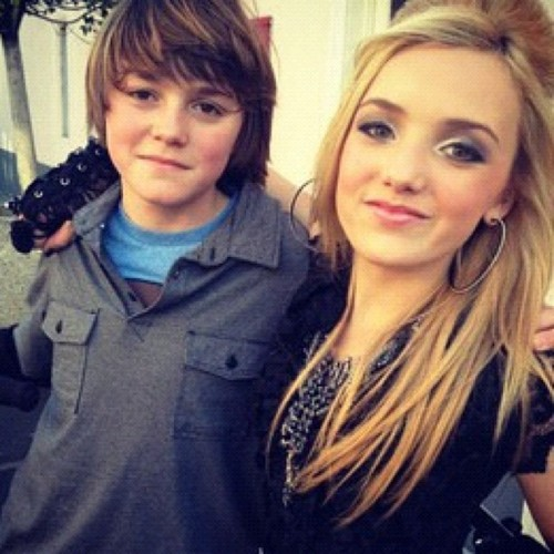 Peyton and her Twin brother Spencer - peyton-r-list-emma-ross Photo