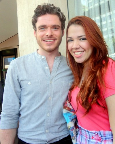 Richard Madden and 粉丝