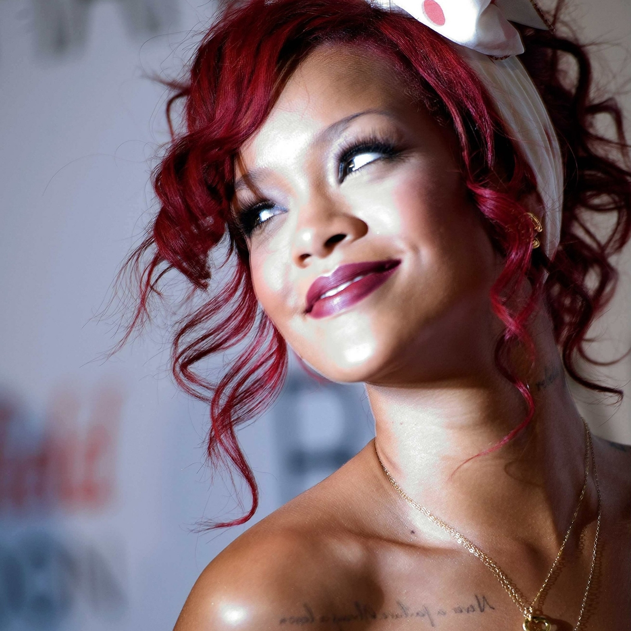 Stunning Rihanna Red Hair Tumblr 1280 x 1280 · 941 kB · jpeg