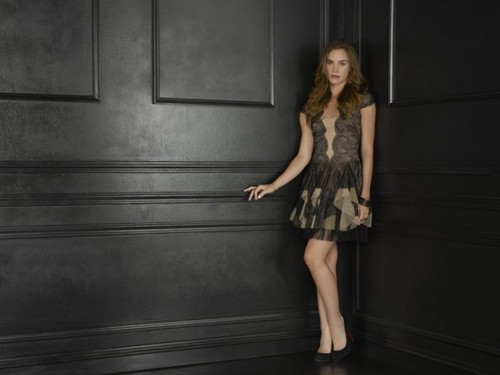 Season 2 - Cast - (NEW) Promotional 照片 - Christa B. Allen