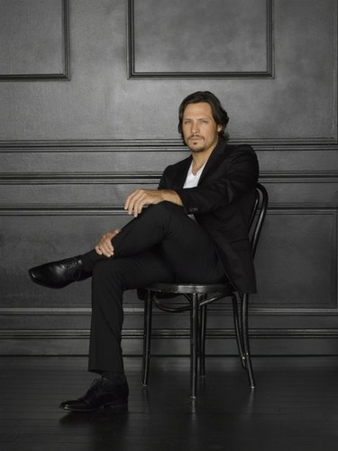 Season 2 - Cast - (NEW) Promotional Photo - Nick Wechsler - revenge Photo