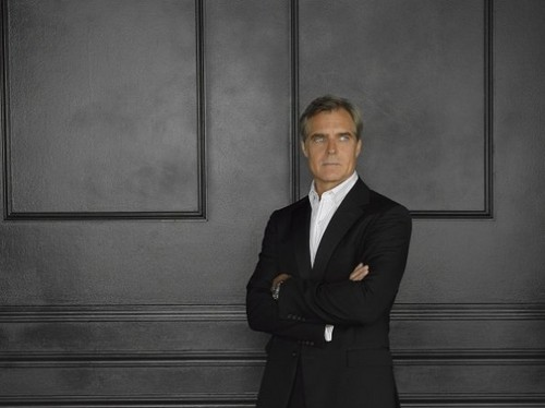 Season 2 - Cast - Promotional Photo - Henry Czerny - revenge Photo