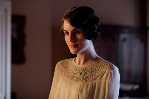 Downton Abbey 壁纸 possibly containing a nightgown and a negligee titled Season 3