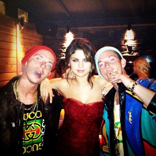 Selena Gomez and ATL Twins