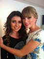 Show Taylor Swift and Paula in Brazil