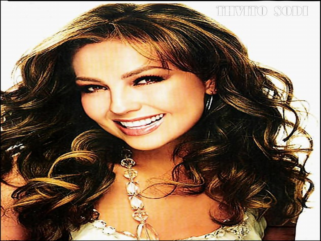 Thalia - Thalia Wallpaper (32105666) - Fanpop