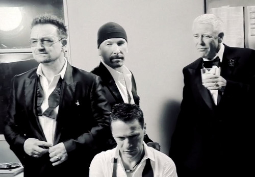 U2 壁紙 with a business suit, a suit, and a dress suit entitled U2 (GQ Magazine)