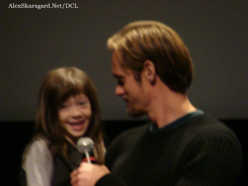 Alexander Skarsgård 壁纸 probably containing a portrait entitled What Maisie Knew Q&A at TIFF