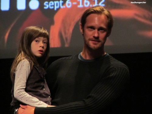 Alexander Skarsgård hình nền possibly with a buổi hòa nhạc called What Maisie Knew Q&A at TIFF
