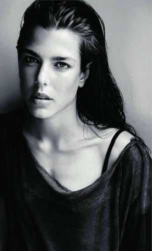 la Princesse charlotte Casiraghi fond d'écran possibly with a portrait titled charlotte