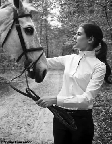 Prinzessin charlotte Casiraghi Hintergrund probably with a lippizan called charlotte