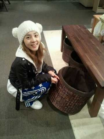 cute dara 2NE1 moment