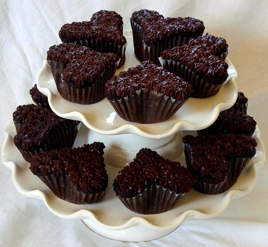 dark chocolate heart cupcakes - Chocolate Photo (32131844) - Fanpop