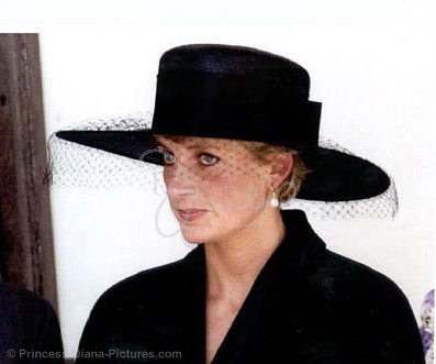 Prinzessin Diana Hintergrund containing a snap brim hat, a campaign hat, and a fedora titled diana
