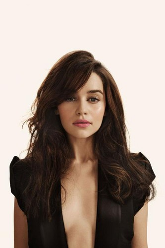 Emilia Clarke fond d'écran possibly with attractiveness and a portrait titled emilia