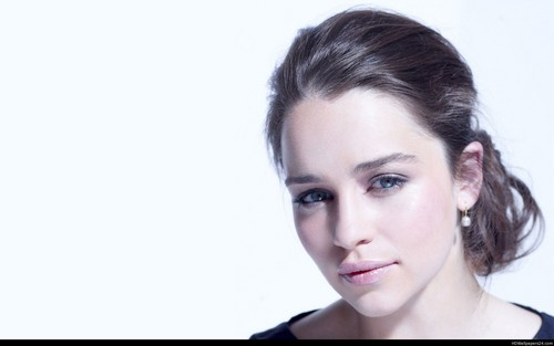 Emilia Clarke wallpaper with a portrait called emilia