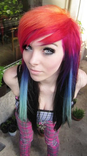 emo girl, ira vampira, scene queen, colorful hair, purple blue pink green red black hair, coontails,