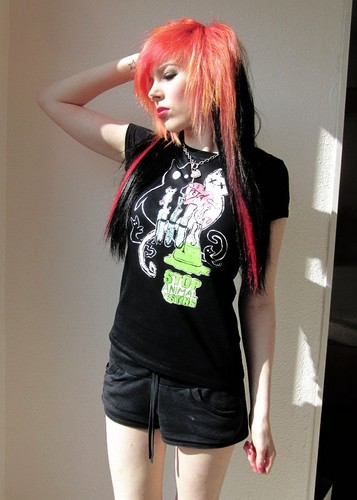 emo girl, ira vampira, scene queen, colorful hair, purple blue گلابی green red black hair, coontails,