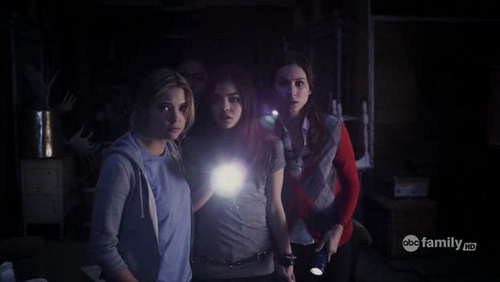 Season 1 pilot pretty little liars tv show photo