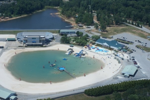 The Hunger Games Movie 바탕화면 containing a resort entitled 'Catching Fire' to Shoot at 'The Beach' in Clayton County International Park
