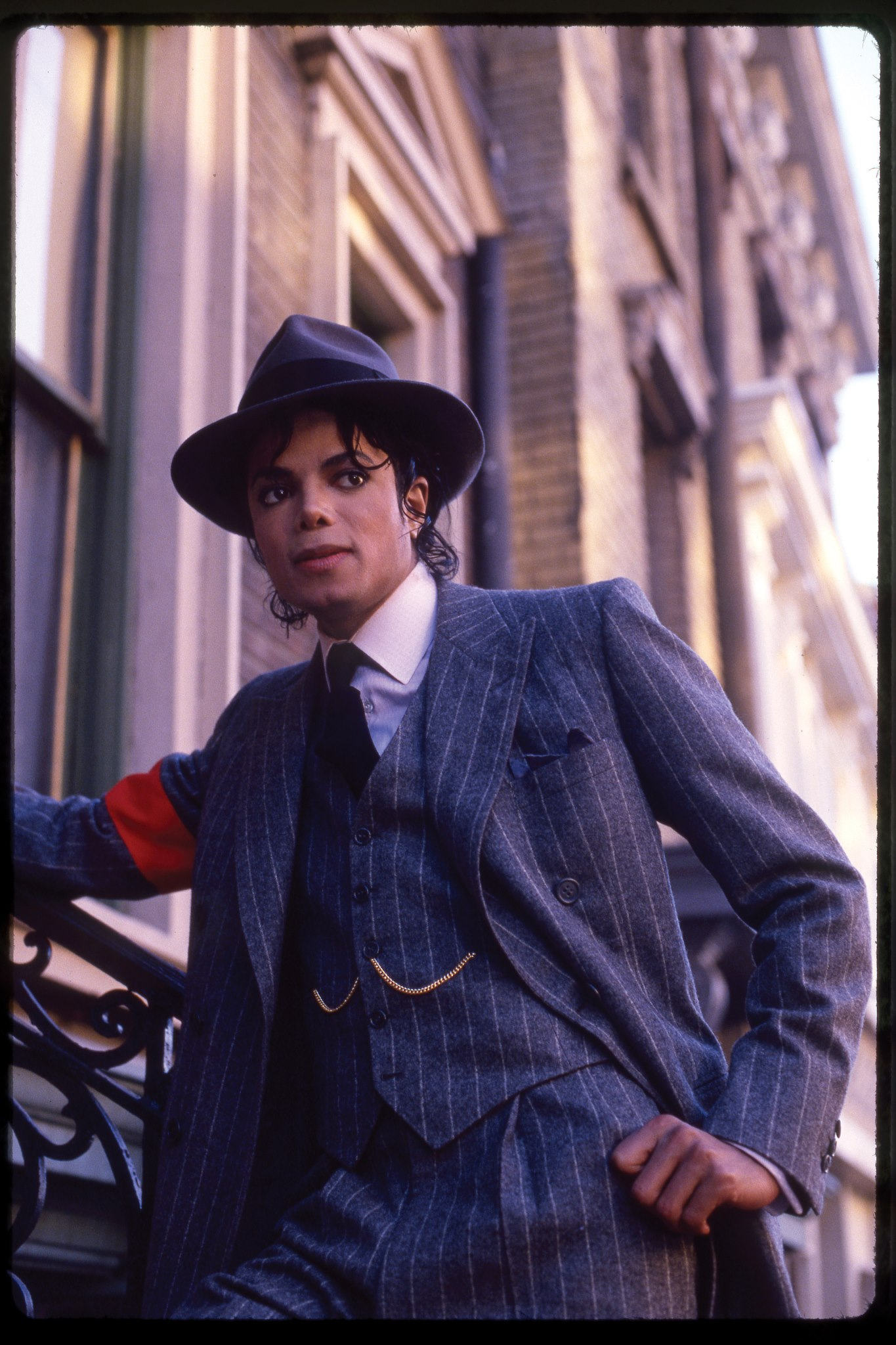 ♥♥ MICHAEL JACKSON ♥♥ (HIGH QUALITY PIC) :)