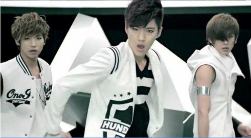 "100% ""Bad Boy"" MV"