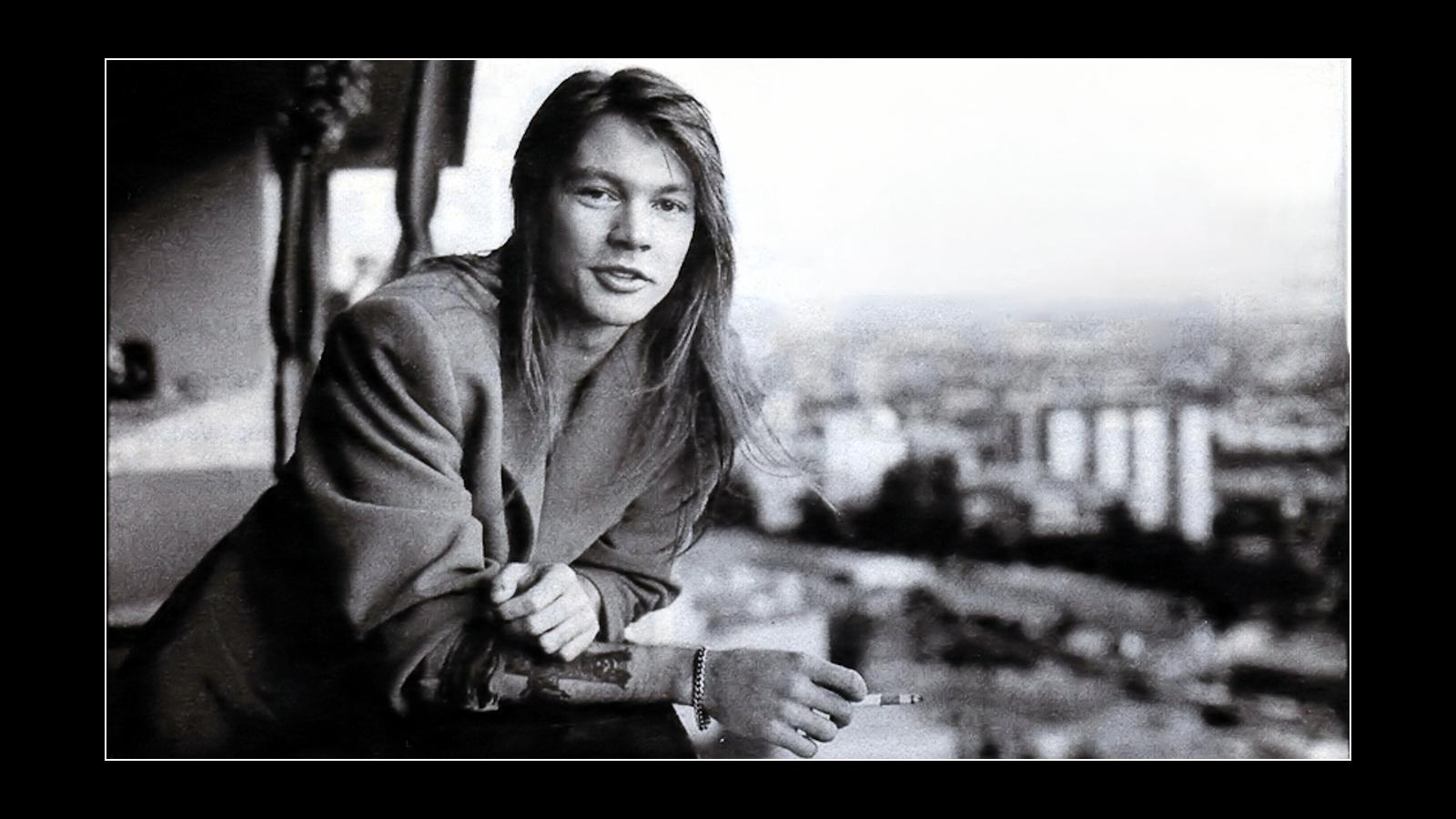 Axl Rose in the 80s fondo de pantalla