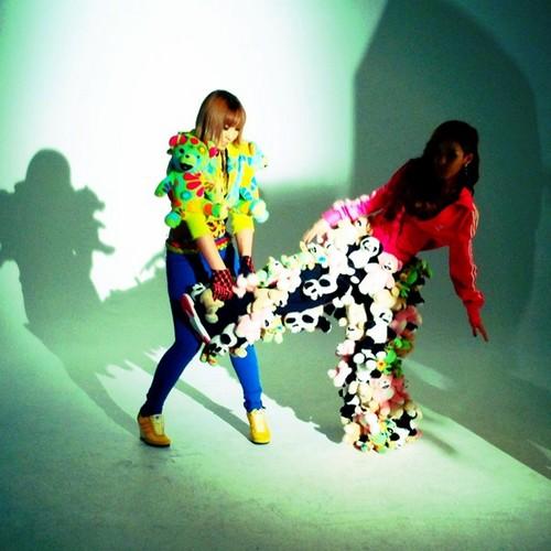 BTS foto of 2NE1′s Photoshoot with Fault Magazine