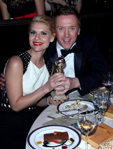 Claire and Damian at the Homeland table, Golden Globes