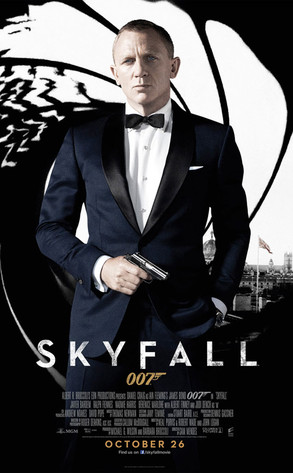 Daniel Craig Suits Up In New Skyfall Poster