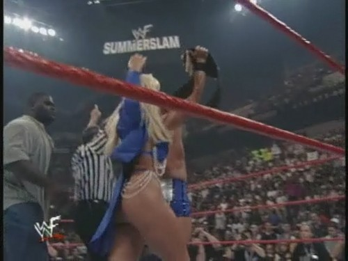 Former WWE Diva... Debra پیپر وال titled Debra - Summerslam 99