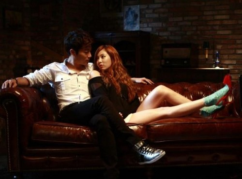 Dujun and hyuna Shoemaker