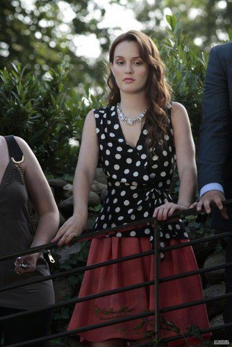 "Blair Waldorf wallpaper entitled EPISODE STILLS 6X01 ""Gone maybe gone"""