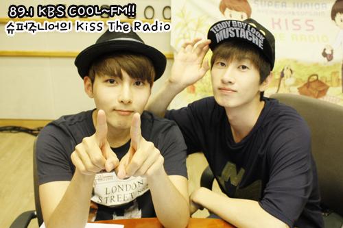 Eunhyuk & Ryeowook at Sukira (09-18-2012)