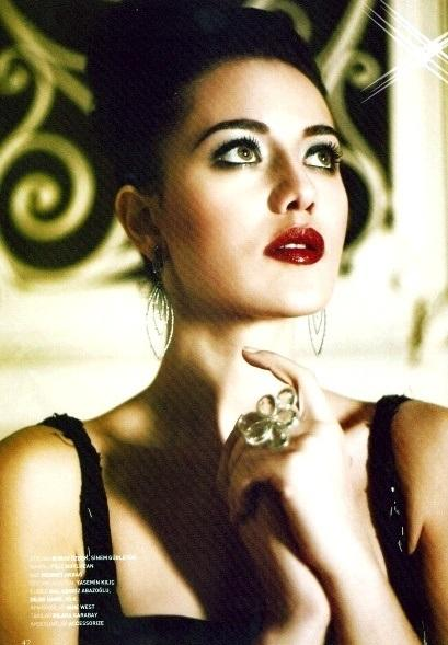 Turkish actors and actresses fahriye evcen