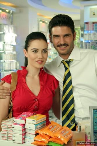 Fahriye Evcen and Tolgahan Sayisman