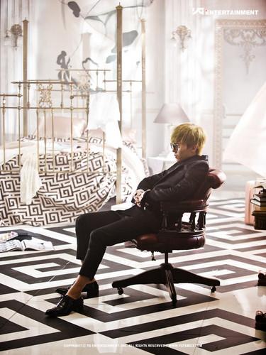 "G-Dragon's concept fotos for ""That XX"""