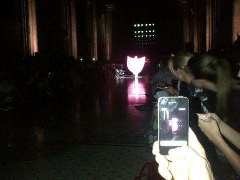Gaga performing at Philip Treacy Показать