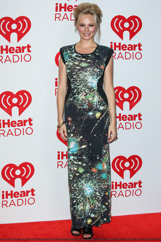 HQ: Candice at the iHeartRadio festival دن 2 - Press Room. {22/09/12}.