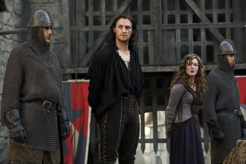 Holliday as Meg in Robin kofia