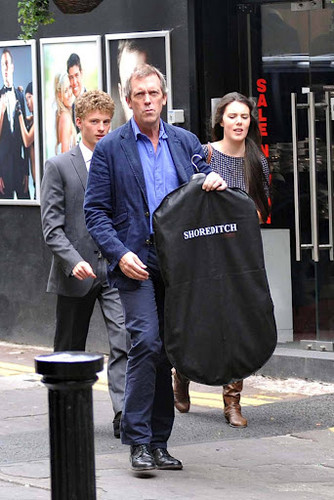 Hugh Laurie is seen exiting a tuxedo rental 商店 on Grafton 街, 街道 19.09.2012