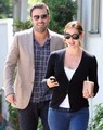 Jen and Ben take a stroll - ben-affleck-and-jennifer-garner photo