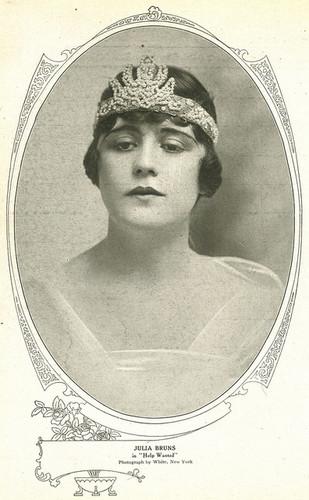 Знаменитости, которые умерли молодыми Обои titled Julia Eliza Bruns (1895 – December 24, 1927)