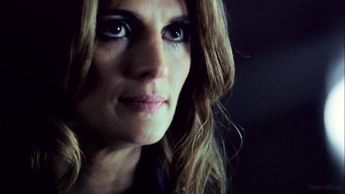 Kate Beckett karatasi la kupamba ukuta containing a portrait called Kate 5x01