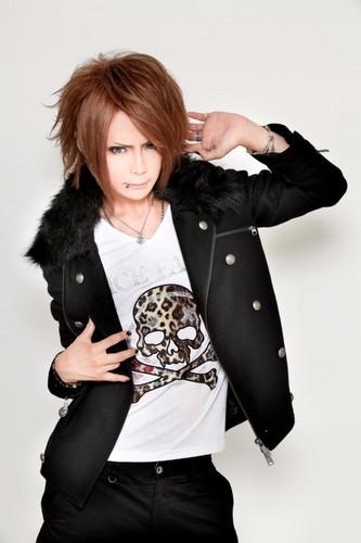 Kazuki - Royz X VICE FAIRYFALL & WINTER collection