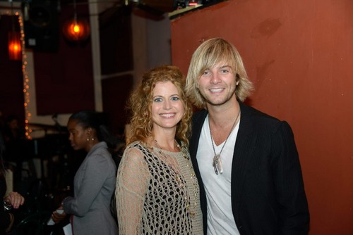 Кит Харкин Обои probably containing a business suit called Keith Harkin tumblr